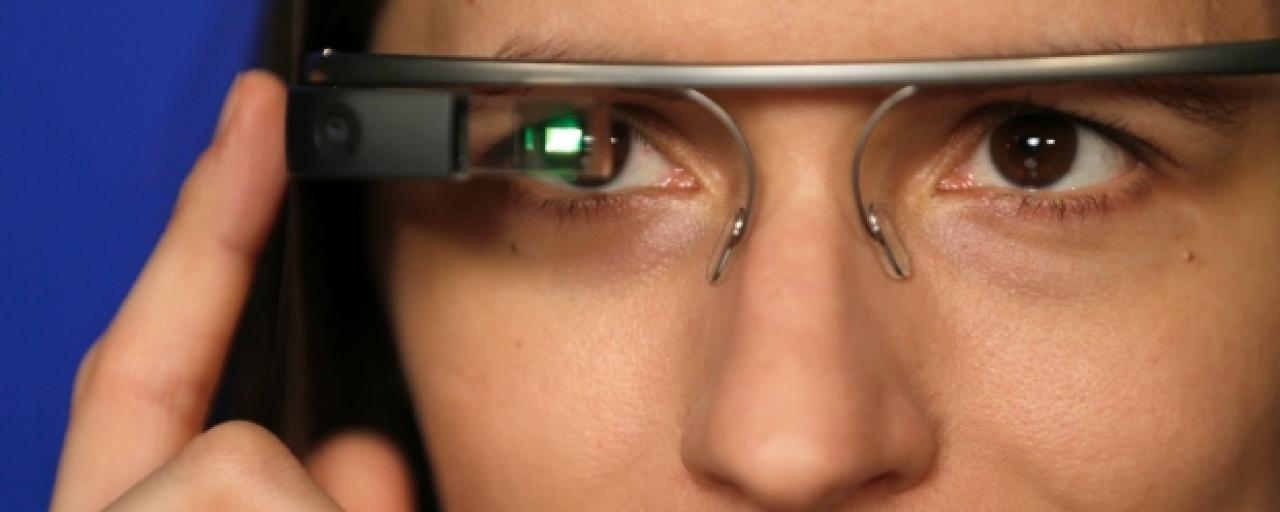 6 Ways Smart Glasses Connect Workers on the Shop Floor